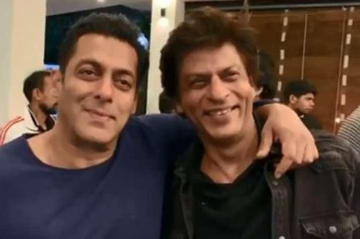 Shah Rukh Khan Salman Khan watches Karan Arjun together - India TV