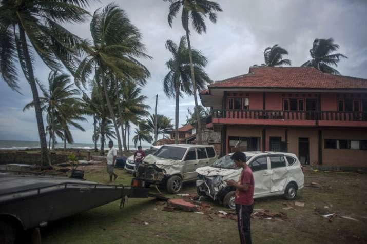 Indonesia tsunami death toll touches 429, over 1,400 injured; thousands homeless- India TV