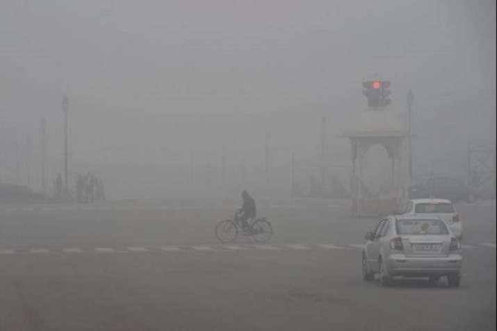 दिल्ली में सोमवार की...- India TV