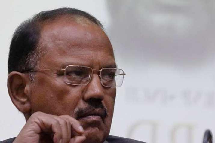 क्या सीबीआई बिना परमीशन अजीत डोवल और रॉ के बड़े अधिकारियों के फोन टैप कर रही थी?- India TV