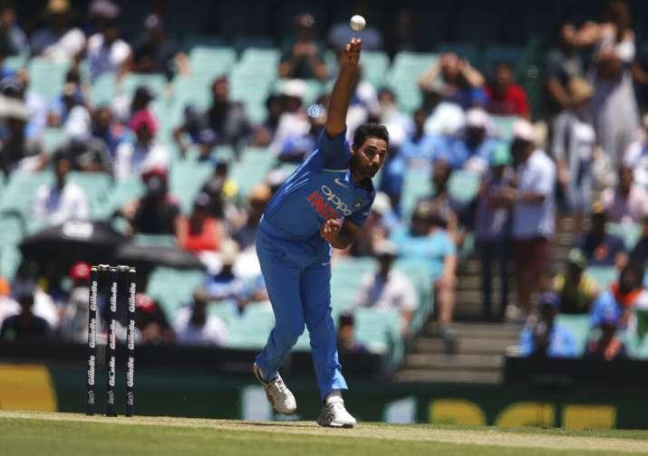 लय से 'भटके' भुवनेश्वर कुमार ने इसे बताया बड़ा कारण, एमएस धोनी को लेकर दिया बड़ा बयान- India TV