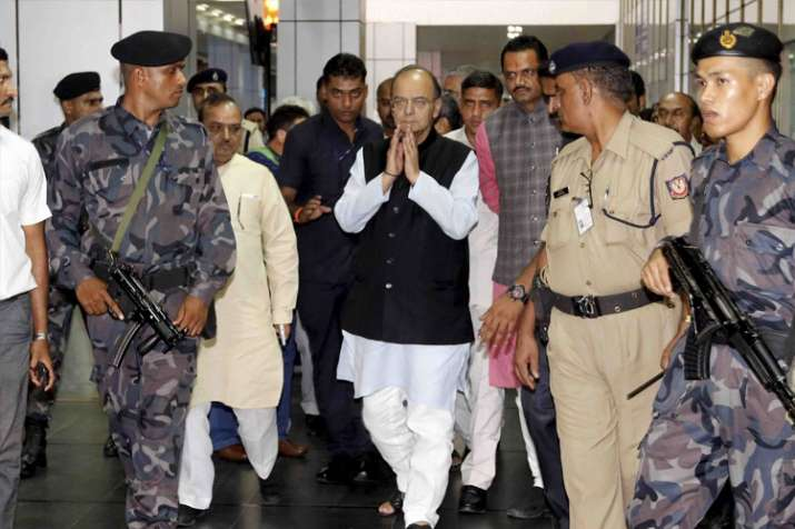 वित्त मंत्री अरुण जेटली स्वास्थ्य जांच के लिए अमेरिका रवाना - India TV