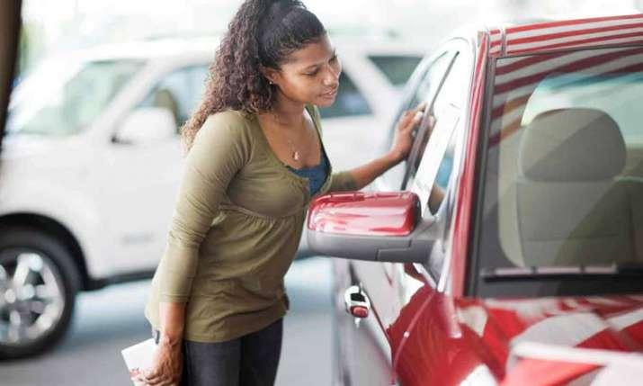 buying a car- India TV Paisa