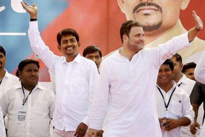 Congress president Rahul Gandhi with Alpesh Thakor | PTI File- India TV