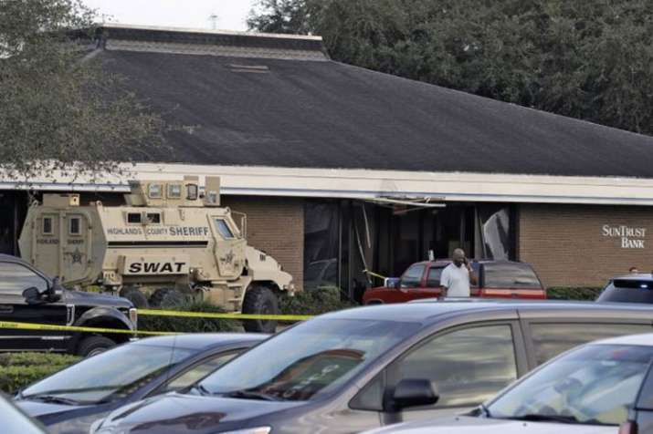 Florida Bank Shooting: Five people killed, shooter surrenders to SWAT team- India TV