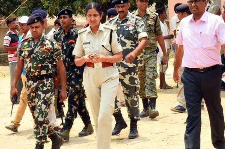 बिहार में 23 वरिष्ठ पुलिस अधिकारियों का स्थानांतरण, गरिमा बनी पटना की एसएसपी- India TV
