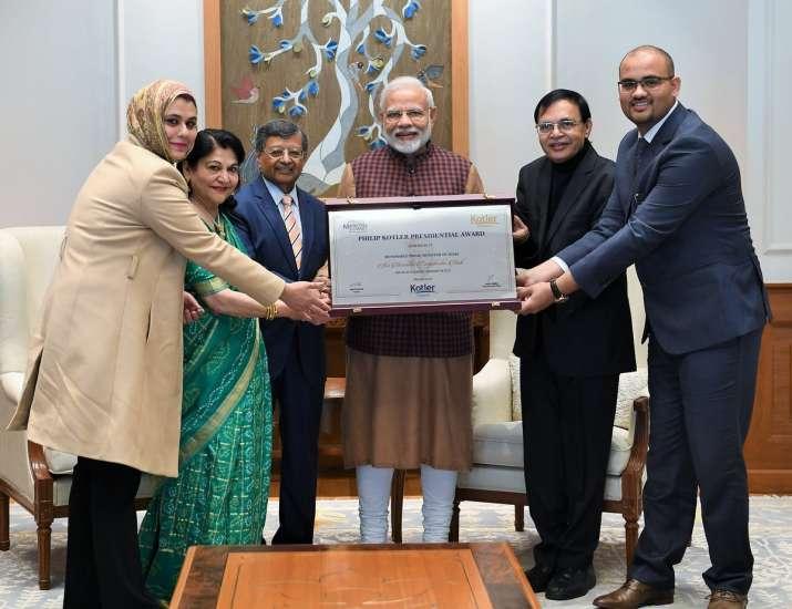 राहुल गांधी के तंज पर फिलीप कोटलर का जवाब, PM मोदी को दी बधाई- India TV