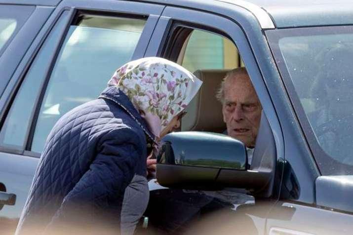 Britain: Prince Philip involved in car accident near...- India TV