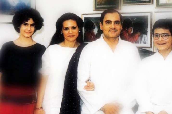 सिर्फ 13 साल की उम्र में इस शख्स को दिल दे बैठीं थीं प्रियंका गांधी- India TV