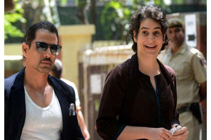 Robert Vadra and his mother ask by High Court to face Enforcement Directorate - India TV