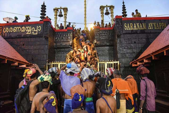 'अब तक सबरीमला मंदिर में 10-50 वर्ष आयु वर्ग की 51 महिलाएं प्रवेश कर चुकी हैं' - India TV
