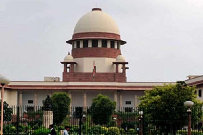 अनुच्छेद 35ए को चुनौती देने वाली याचिका सूचीबद्ध करने पर चैम्बर में होगा फैसला - India TV