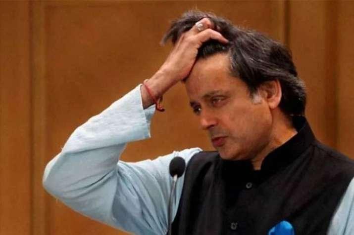 Shashi Tharoor targates Hindi Hindu and Hindutva in his tweets- India TV