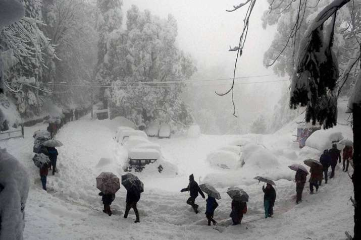 Cold wave continues in Kashmir, Dras freezes at minus 31.4 degree Celsius- India TV