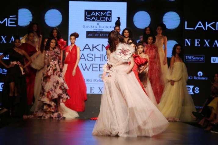 Yami Gautam lakme fashion week- India TV