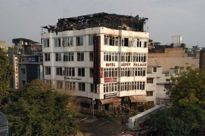 Karol Bagh Hotel Fire: 17 dead after fire breaks out in Delhi's Hotel Arpit Palace- India TV