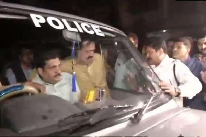कोलकाता पुलिस...- India TV