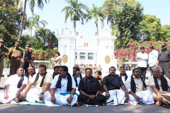 पुडुचेरी की LG किरण...- India TV