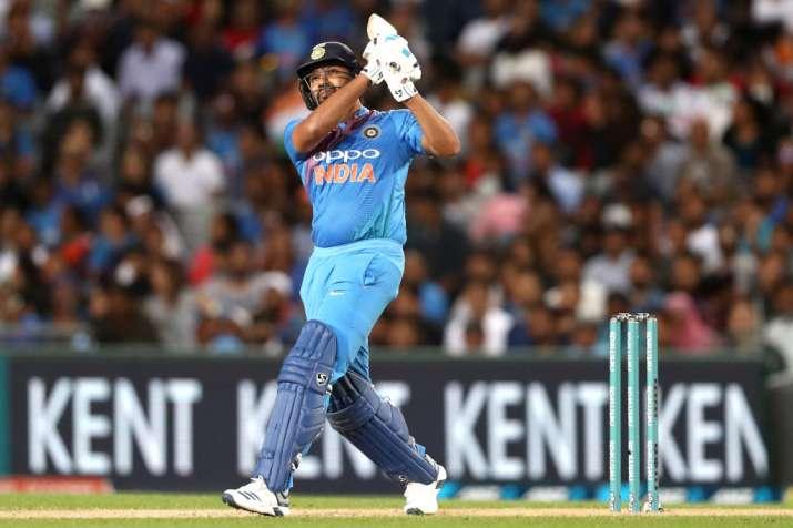 5th ODI: वनडे में 8000 रन पूरे करने वाले नौवें भारतीय बने रोहित शर्मा- India TV