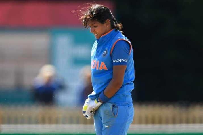 चोट के चलते इंग्लैंड के खिलाफ वनडे सीरीज से बाहर हुईं हरमनप्रीत, इस खिलाड़ी की मिला मौका- India TV
