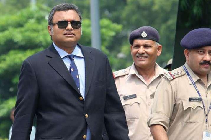 रॉबर्ट वाड्रा के बाद चिदंबरम फैमिली पर ईडी का शिकंजा, कार्ति से आज होगी जामनगर में पूछताछ- India TV