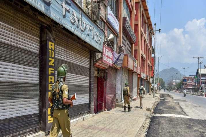 अनुच्छेद 35-ए के समर्थन में बंद से घाटी में जनजीवन प्रभावित- India TV
