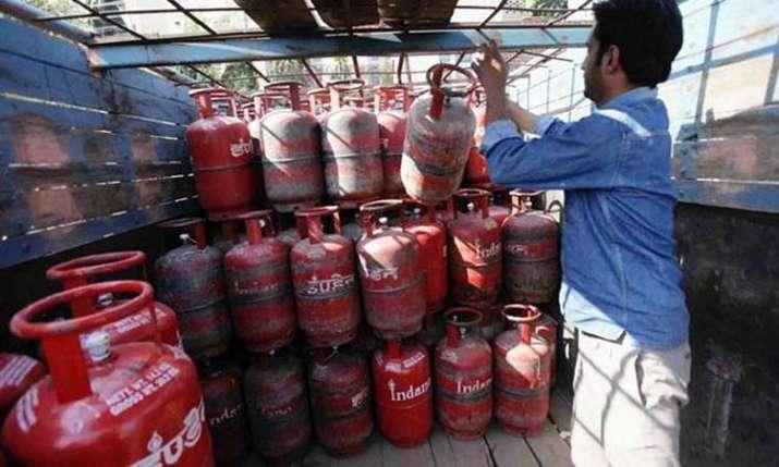 LPG Cylinder- India TV Paisa