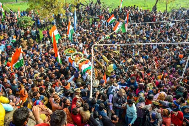 A large number of people attend the funeral procession...- India TV