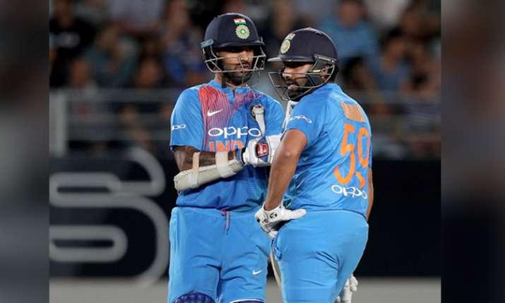 दूसरे टी20 मैच में अपनी जर्सी पहनकर क्यों नहीं उतरे रोहित शर्मा? नाम छिपाकर पहनी इस खिलाड़ी की जर्सी- India TV