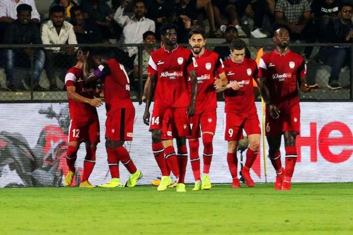 आईएसएल-5: मुम्बई की लगातार तीसरी हार, दूसरे स्थान पर पहुंचे हाईलैंडर्स- India TV