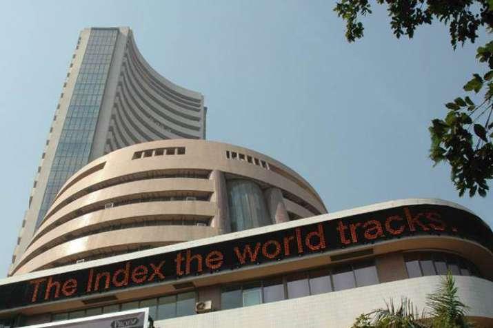 IAF की कार्रवाई की खबरों से शेयर बाजार धड़ाम, सेंसेक्स 363 अंक टूटा- India TV Paisa