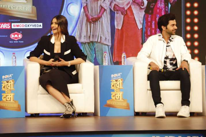 Sonam Kapoor says many film actors are better than her- India TV