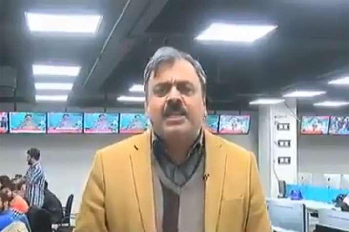 Pakistani journalist threatens India: Tamatar ka jawab atom bomb se denge. Breaks the Internet- India TV