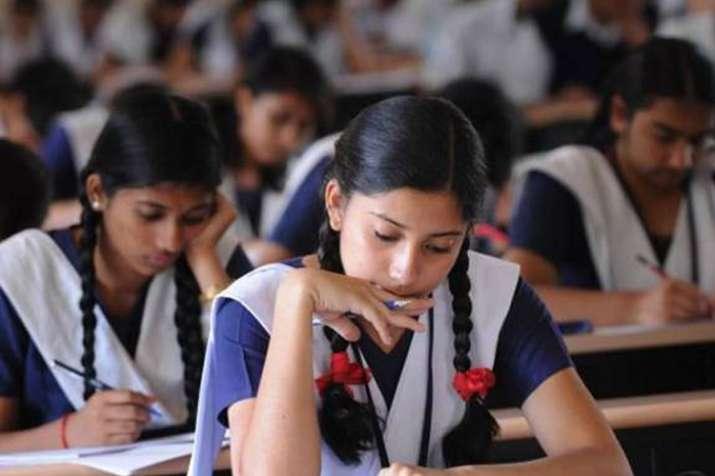 उत्तर प्रदेश बोर्ड परीक्षा आज से शुरू, कड़ी सुरक्षा, कोडिड उत्तर पुस्तिकाएं- India TV