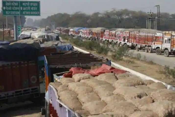 पुलवामा हमले के बाद दाने-दाने को मोहताज होगा पाकिस्तान, टमाटर बिक रहा 200 रु किलो- India TV