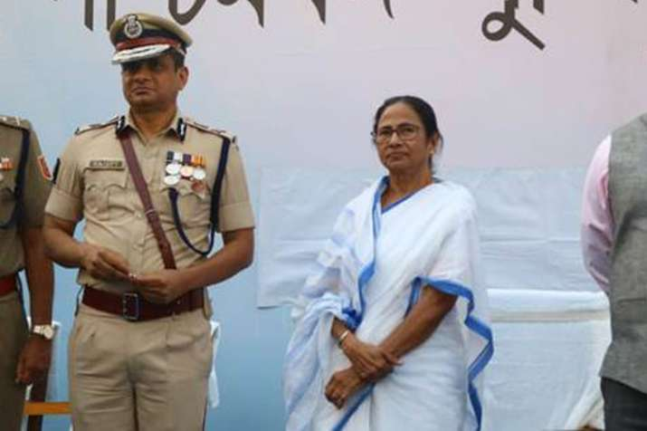 पुलिस कमिश्नर राजीव कुमार अब खोलेंगे शारदा चिटफंड घाटोले की लाल डायरी के राज़?- India TV