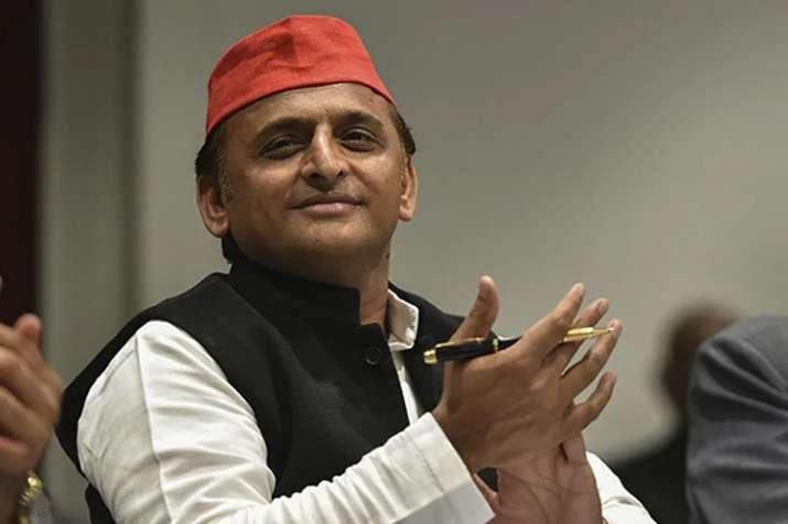 सत्ताधारी पार्टी क्यों काट रही अधिकांश सांसदों के टिकट: अखिलेश- India TV