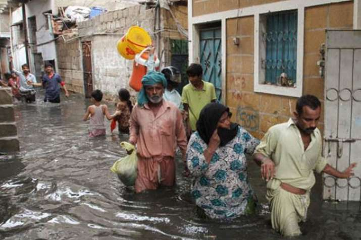 Several dead, hundreds of families rescued after floods hit Balochistan after rain and heavy snowfal- India TV