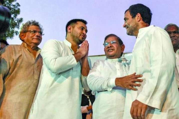 बिहार महागठबंधन सम्मानजनक सीट बंटवारे के करीब, 3 सीटों पर अड़ंगा!- India TV