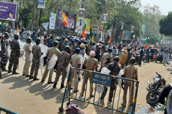BJP workers clash with police after bike rallies prevented in West Bengal | Facebook- India TV