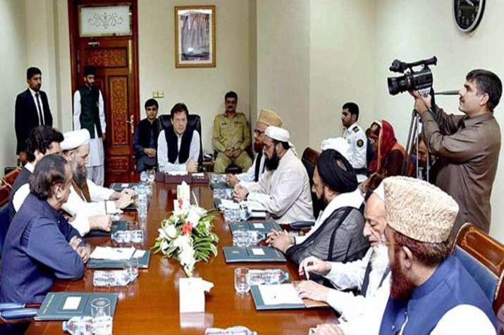 पाकिस्तान ने सभी प्रतिबंधित संगठनों की संपत्ति जब्त करने का आदेश दिया- India TV
