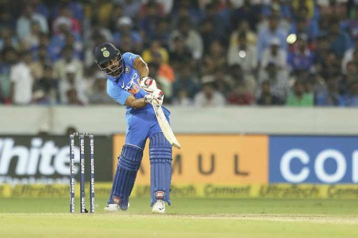 1st ODI: केदार जाधव ने किया खुलासा, बोले- मैं अच्छा खेल पाया क्योंकि धोनी दूसरे छोर पर मेरे साथ थे- India TV