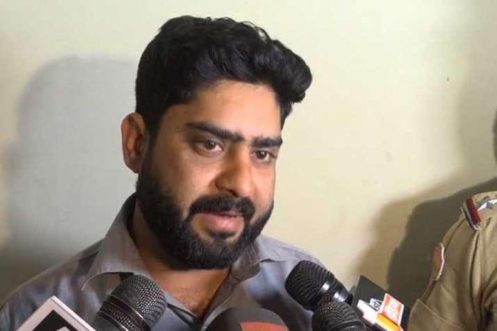 man arrested for demanding pm modi's murder supari- India TV
