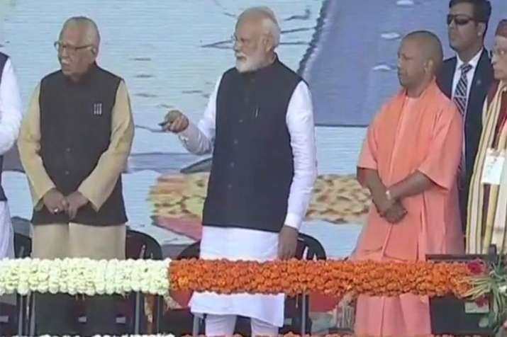 PM Narendra Modi unveils slew of projects in UP- India TV