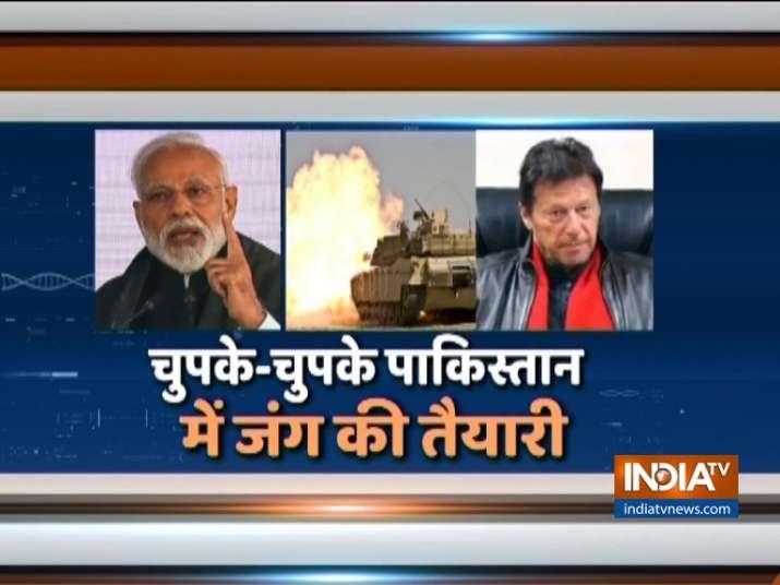 चुपके-चुपके पाकिस्तान में चल रही है जंग की तैयारी - India TV