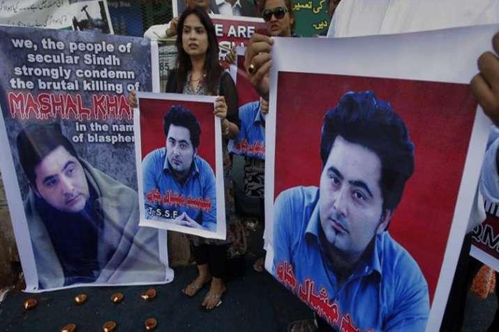 पाकिस्तान में मॉब...- India TV