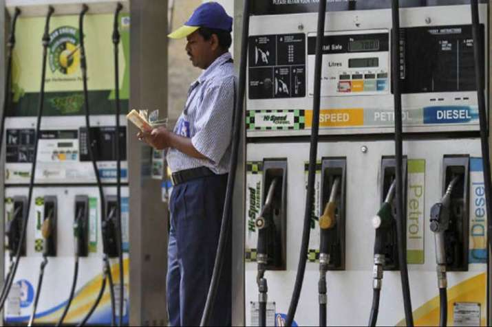 Demonetisation: RBI says no data on 500- and 1,000-notes used at fuel pumps- India TV Paisa
