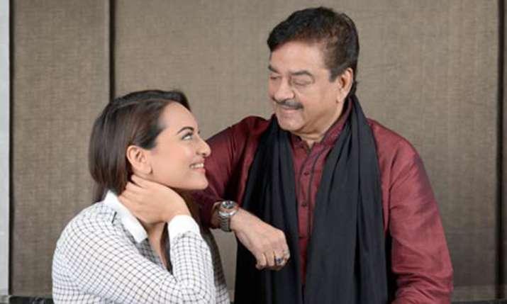 Sonakshi Sinha, Shatrughan Sinha- India TV