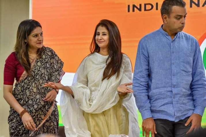 Image result for उर्मिला मातोंडकर ने मांगे वोट,