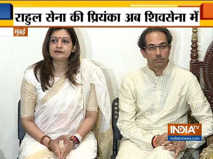 Priyanka Chaturvedi Joins Shiv Sena in presence of Uddhav Thakre in Mumbai- India TV